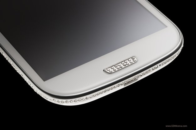 Samsung Swarovski Galaxy S3: Hässlich und teuer