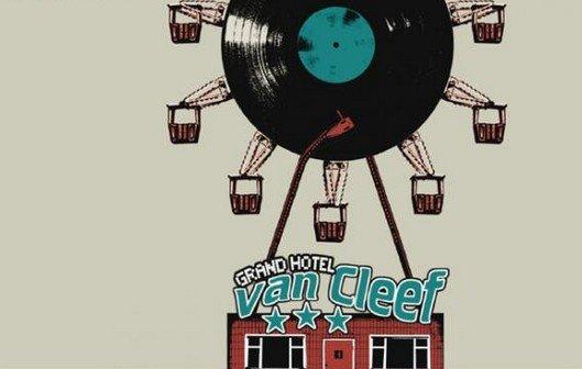 10 Jahre Grand Hotel van Cleef: Doku hier ansehen - mit Tomte, Kettcar, Casper, Frittenbude...
