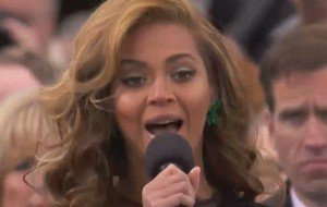 War on Terror? I'm in! Beyoncé singt die US-Nationalhymne - im Playback (Update) (Video)