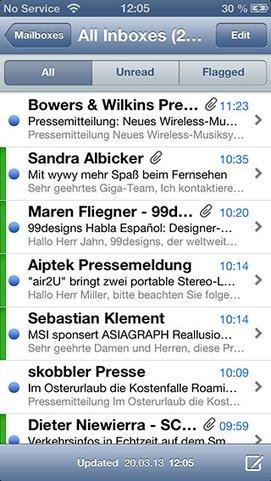 E-Mail-Konto farblich hervorgehoben