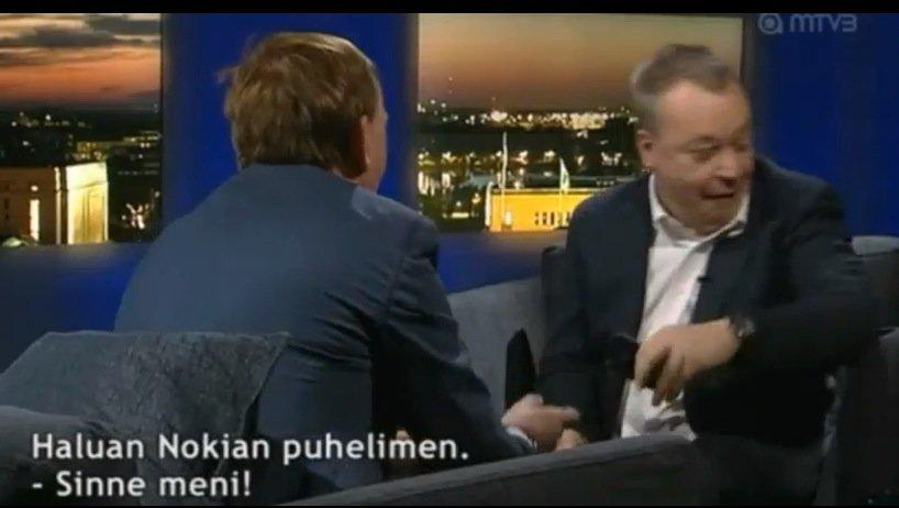 Nokia-Chef Elop wirft bei Interview iPhone auf den Boden