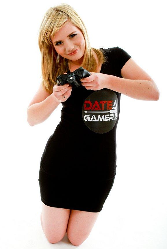 fake-Gamer-02
