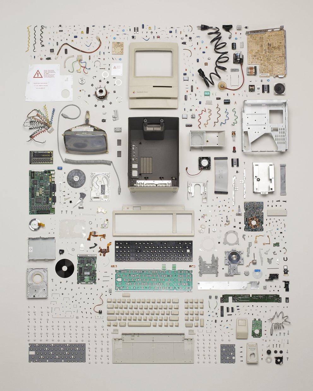 Things Come Apart - Macintosh Classic. Foto: Todd McLellan