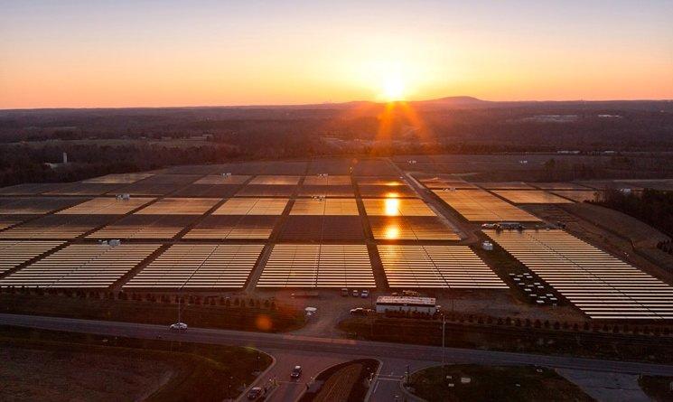 Apples Rechenzentren laufen mit grünem Strom / Adelung durch Greenpeace