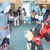 Deadpool kriegt richtig eine drauf - auf der Comic-Con 2013