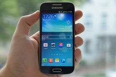 samsung-galaxy-s4-mini-front-hand