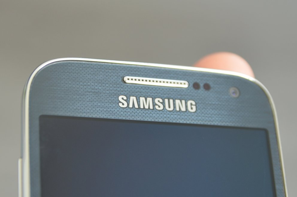samsung-galaxy-s4-mini-lautsprecher-textur