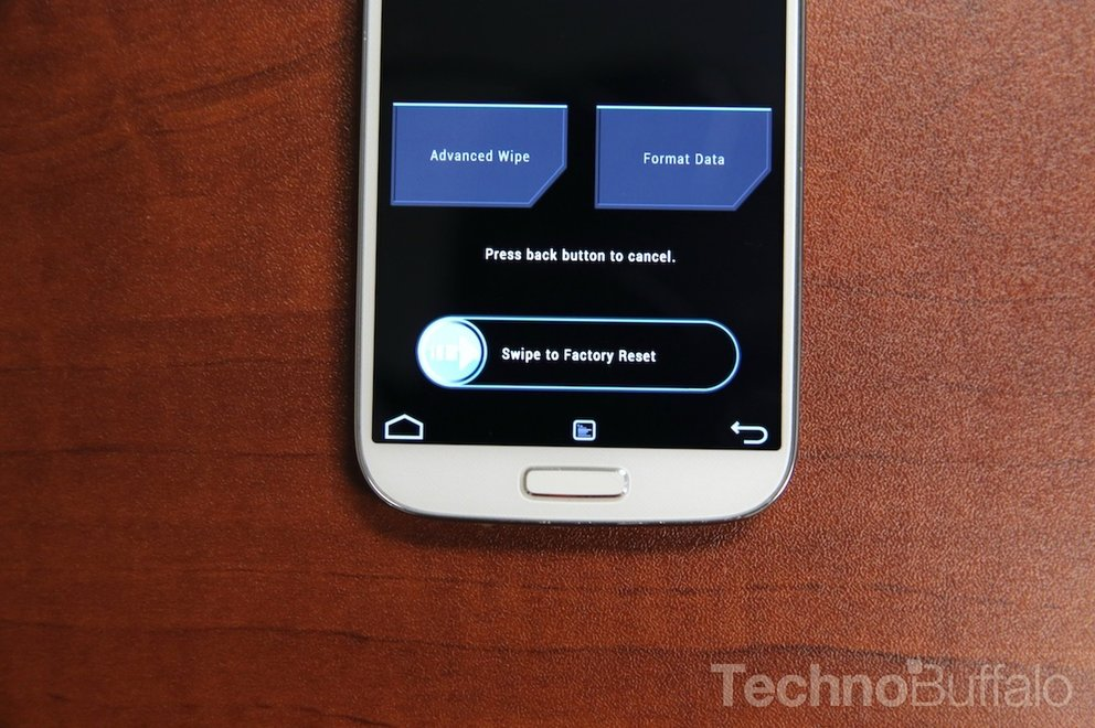 Rooting-Galaxy-S4-Factory-Reset-Swipe