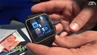 Pearl Smartwatch: Simvalley Mobile AW-414.Go mit Telefoniefunktion im Hands-On [IFA 2013]