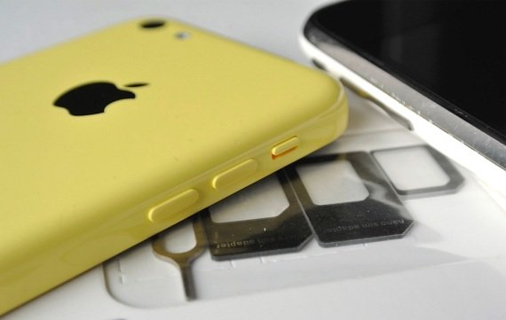 Iphone 5s Sim Karte Einlegen.Sim Karte Von Iphone 5c 5s In Alteren Handys Nutzen So Geht S