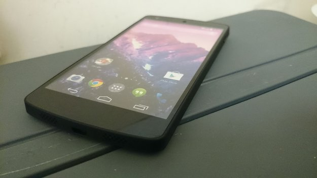 Nexus 5: Erst Mitte Dezember im freien Handel, Diktierfunktion standardmäßig deaktiviert, Key Lime Pie-Test Build aufgetaucht