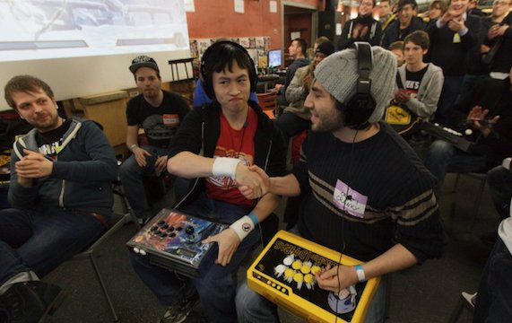 Digitale Massenschlägerei: Besuch auf dem Fightgame Event FFM Rumble