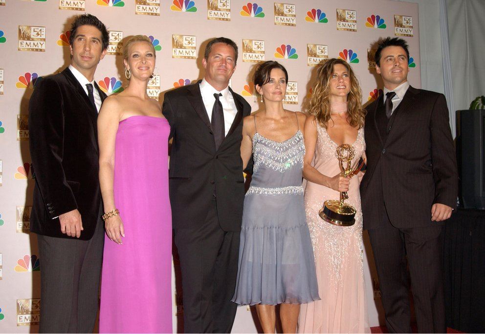 Friends-matthew-perry-jennifer-aniston-Featureflash Shutterstockcom