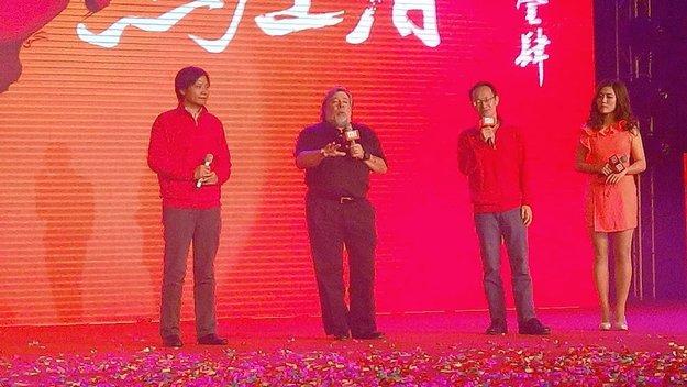 """Steve """"Woz"""" Wozniak: Apple-Gründer tritt auf Xiaomi-Event in China auf, nutzt ein Mi3"""