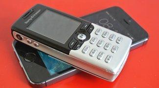 Infografik: Mehr Smartphones als Standard-Handys verkauft