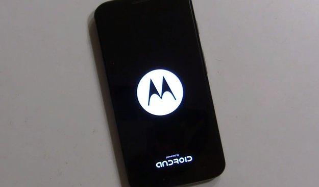 """Motorola Moto G & Moto X: Neue Bootanimation mit """"Powered by Android"""" und ein Aprilscherz"""