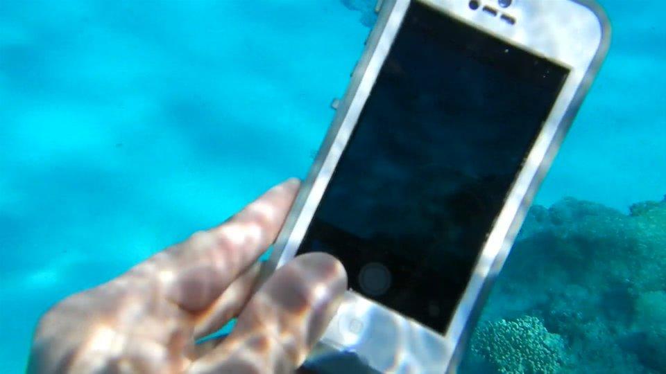 Mit speziellen Cases wird euer iPhone im Handumdrehen wasserdicht.