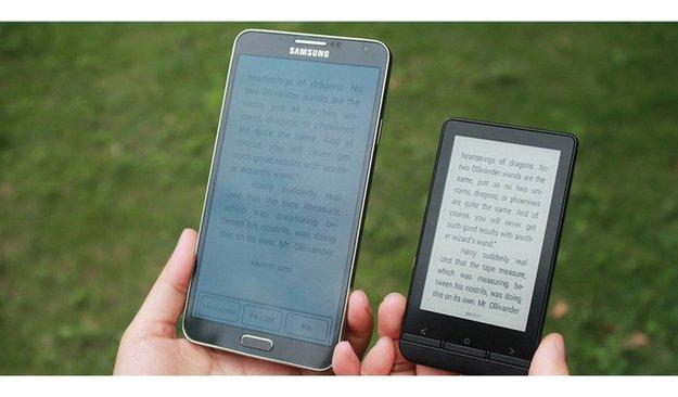 InkCase Plus: Externes E-Ink-Display für Smartphones bei Kickstarter