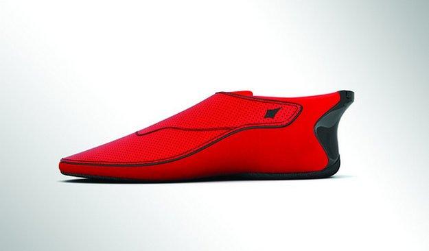 """Ducere Lechal: """"Smart Shoe"""" aus Indien hilft bei der Navigation zu Fuß"""