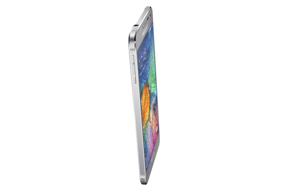Samsung-Galaxy-Alpha-008-Dynamic_Silver