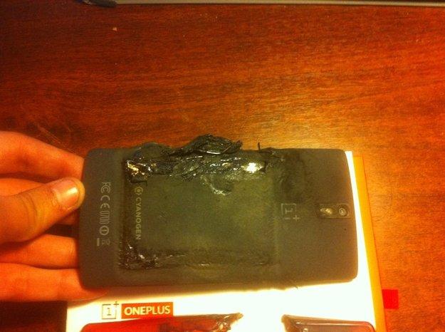 OnePlus One: Akku in der Hosentasche explodiert