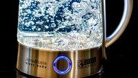 Den Wasserkocher entkalken: Hausmittel oder Chemie?