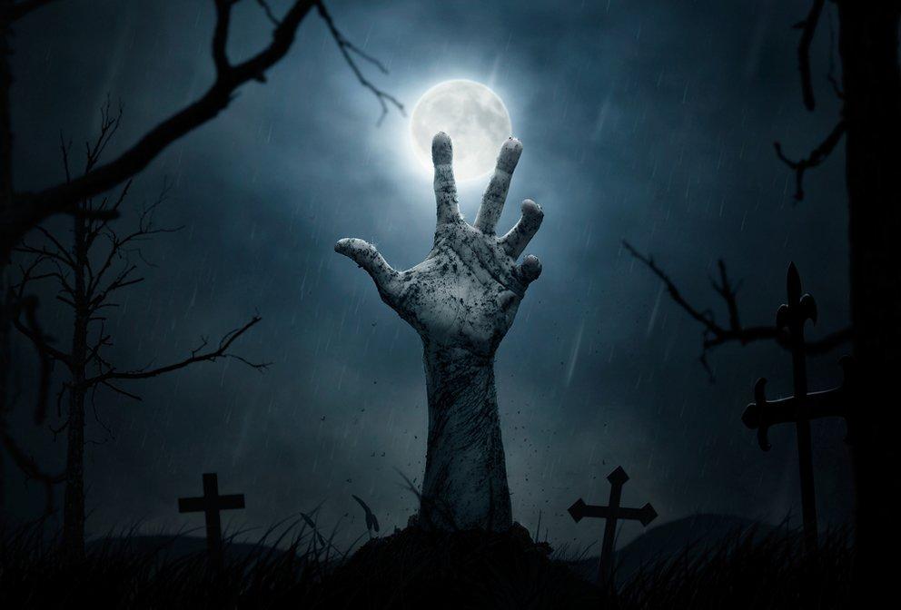 Halloween und Zombies gehören zusammen.