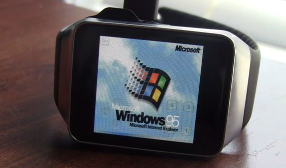 Samsung Gear Live läuft mit Windows 95 (Video)