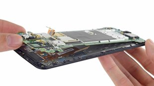 Google Nexus 6 in seine Einzelteile zerlegt (Teardown)