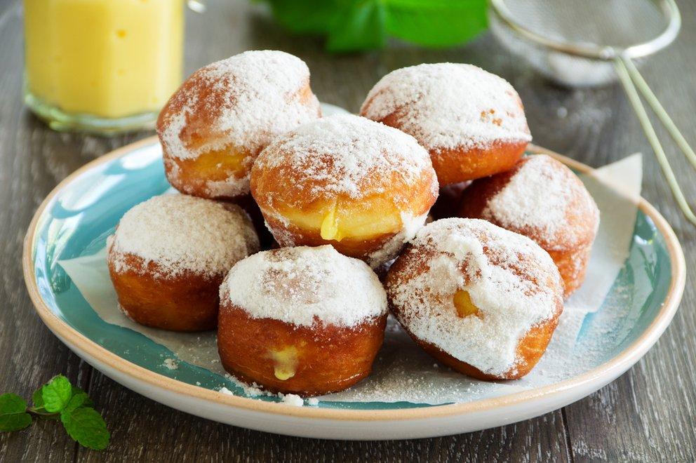 Gehören zum Fasching wie Verkleidungen: Krapfen, Berliner oder Pfannkuchen.