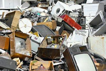 Elektro-Schrott gehört nicht auf den Müllplatz, sondern muss speziell entsorgt werden.