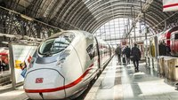Bahnchef kündigt kostenloses WLAN an – ab 2016 und nur in ICE-Zügen