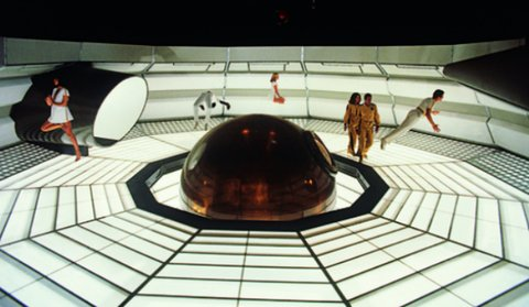 "Ken Adams Setdesign aus ""Moonraker"" © 1979 Danjaq, LLC and United Artists Corporation"