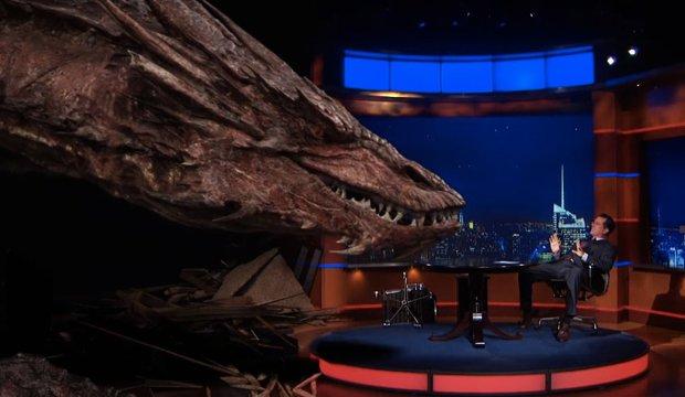 Fundstück der Woche: Hobbit-Drache Smaug zu Gast in Talk-Show