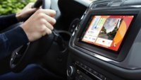 Parrot RNB 6: In-Car-Entertainment-System läuft mit Android Auto und Apple CarPlay [CES 2015]