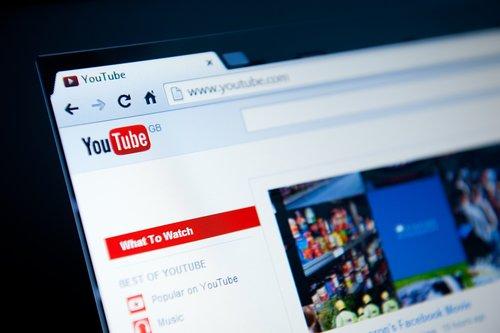 """Gillette Abdi rappt und """"rasiert euch mit Shampoo"""": Der neue """"Star"""" am YouTube-Himmel"""