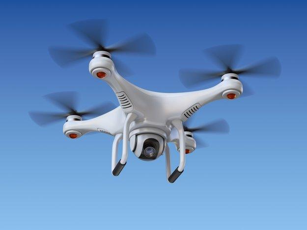 Drohnen und Quadrocopter: Versicherung, Flugerlaubnis, Starterlaubnis, Vorschriften - Das müsst ihr beachten