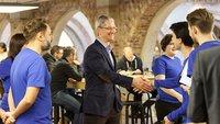 Tim Cook: Apple Watch wird Autoschlüssel ersetzen