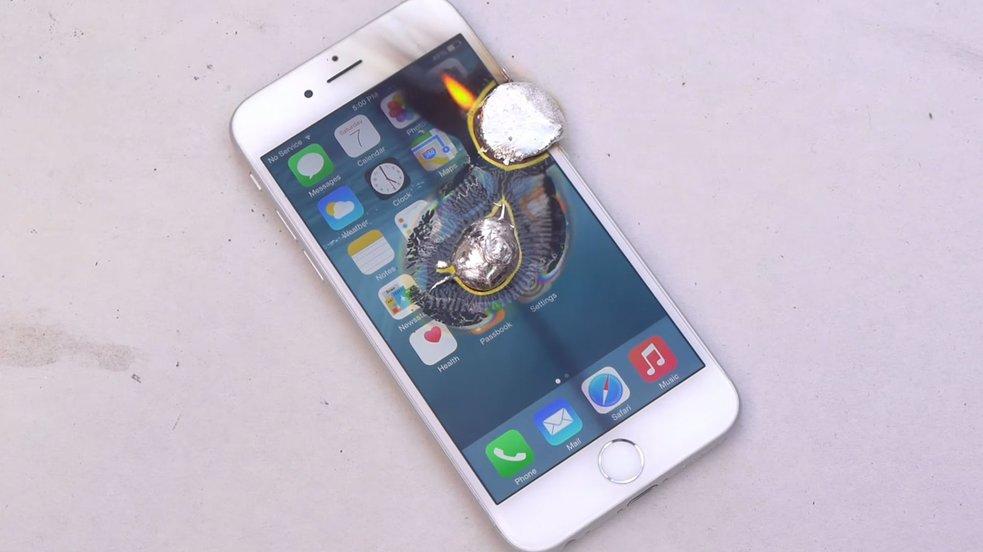 iPhone 6 trifft geschmolzenes Aluminium – Video