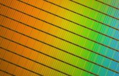 3D NAND: SSDs künftig mit 10...