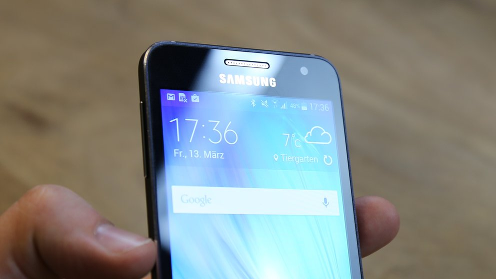 Samsung-Galaxy-A3-08-Front-Oberseite
