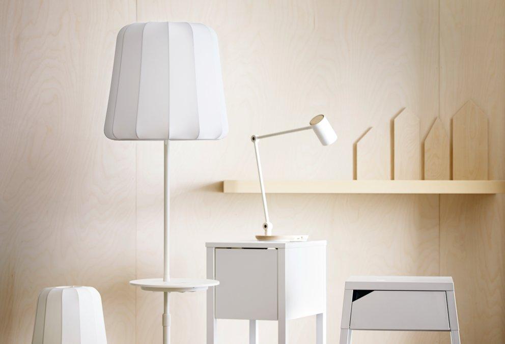 ikea integriert kabellose ladefunktion f r smartphones und. Black Bedroom Furniture Sets. Home Design Ideas