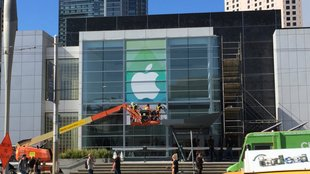 "Apple Event: ""Spring Forward""-Banner am Yerba Buena Center angebracht"