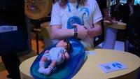 Intel Babybe: Hightech-Matte für Frühchen simuliert elterliche Nähe [MWC 2015]