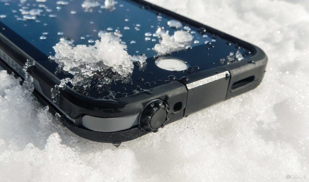 iphone-wasserdicht-lifeproof-fre-test-anschluss