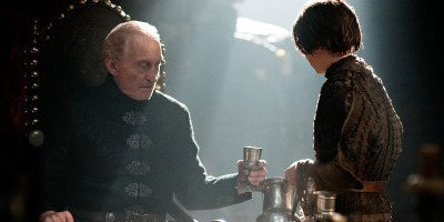 Tywin-and-Arya-house-lannister-31098117-800-438