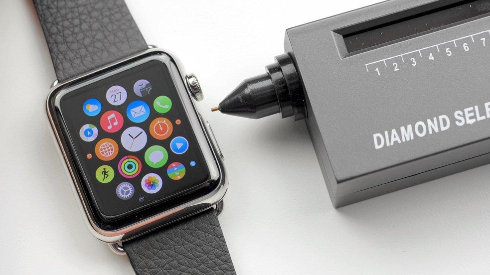 Apple Watch: Echtheit des Saphirglases auf die Probe gestellt