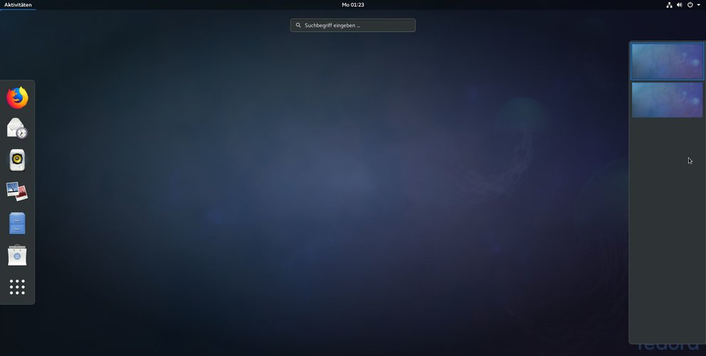 Fedora Workstation: Links sind Programme, rechts die Arbeitsflächen (Desktops) gelistet