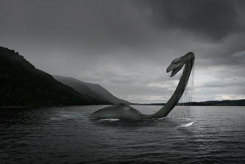 Ungeheuer von Loch Ness: Berühmtes Foto oder gewagte Fälschung? Google denkt heute an Nessie