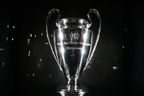 Champions League: Highlights und Zusammenfassungen aller Spiele online sehen